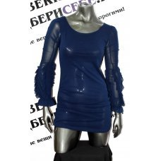Маленькое синее платье с необычными рукавами